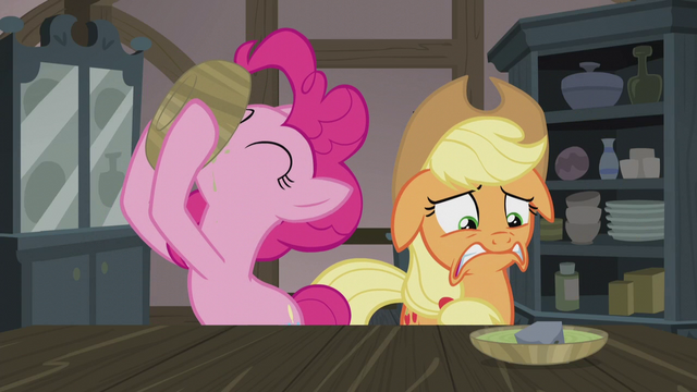 File:Pinkie Pie slurping her soup S5E20.png