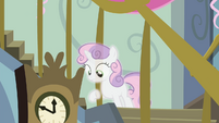 Sweetie Belle looking downstairs S4E19