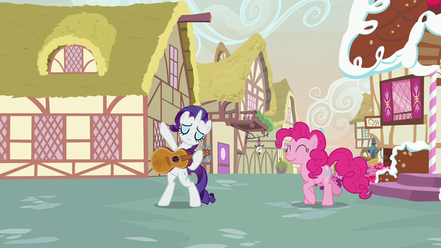 File:Rarity about to play guitar S7E9.png