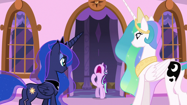 File:Starlight Glimmer yawning S7E10.png