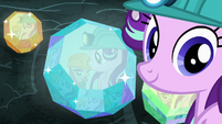 Starlight listens to Maud talk about rocks S7E4