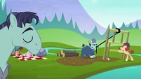 Hooffields and McColts working together S5E23