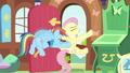 Rainbow Dash struggling Fluttershy door S2E21.png