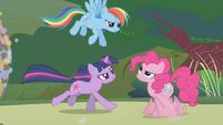 "Rainbow calling Pinkie ""so random"" S1E10"