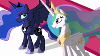 Luna and Celestia discuss Twilight S3E01