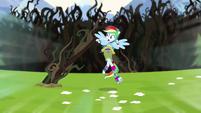 Rainbow Dash dodging vines as she sprints EG4