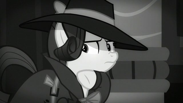 File:Rarity thinking S5E15.png