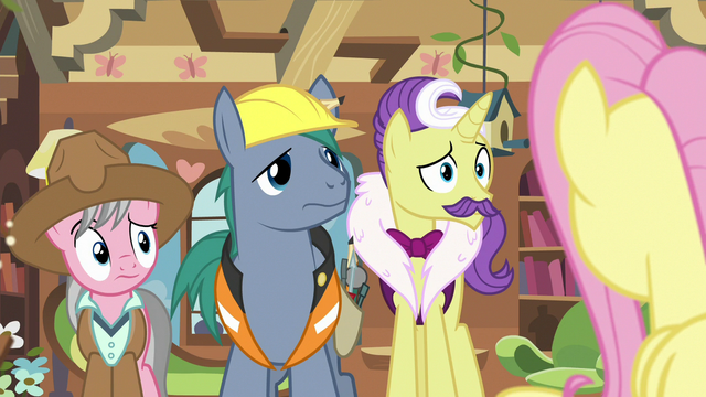 File:Expert ponies looking at Fluttershy S7E5.png