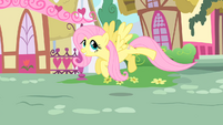 Fluttershy follows the CMC S1E17