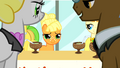 Applejack with bangs S1E23.png
