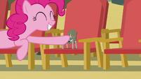 Pinkie Pie brohoofs Boulder S7E4