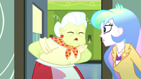 """Granny Smith """"itty-bitty cafeteria crisis"""" SS8"""