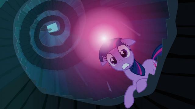 File:Twilight alarmed S3E2.png