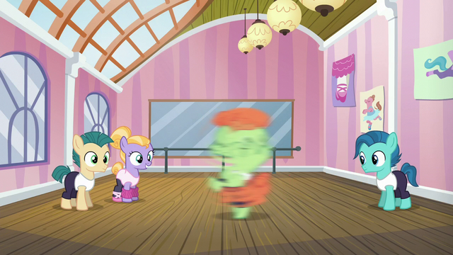 File:Dancing colt spinning around S6E4.png