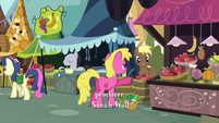 Sweetie Drops doing some shopping S2E19