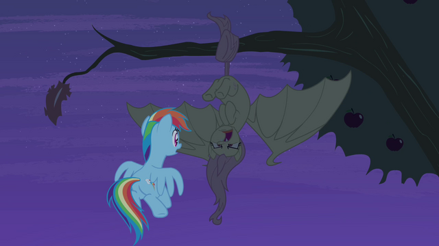 File:Flutterbat hisses at Rainbow Dash S4E07.png