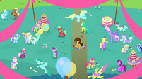 Cheese in the middle of a party S4E12