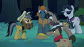 Daring Do offers bits for the ring S4E04.png