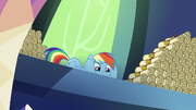 Rainbow Dash looking very mischievous S6E15