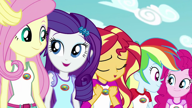 File:Sunset's friends smile at each other as she sings EG4.png