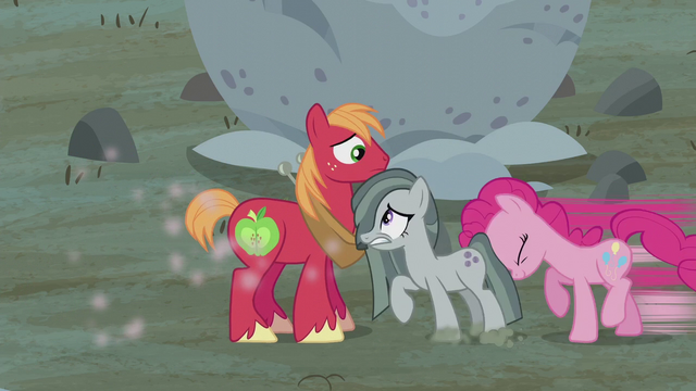 File:Pinkie Pie pushes Marble next to Big Mac S5E20.png