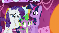 Rarity tries to hold in her laughter S5E22
