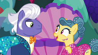"""Trapeze star """"just in time to see my newest move"""" S6E20"""