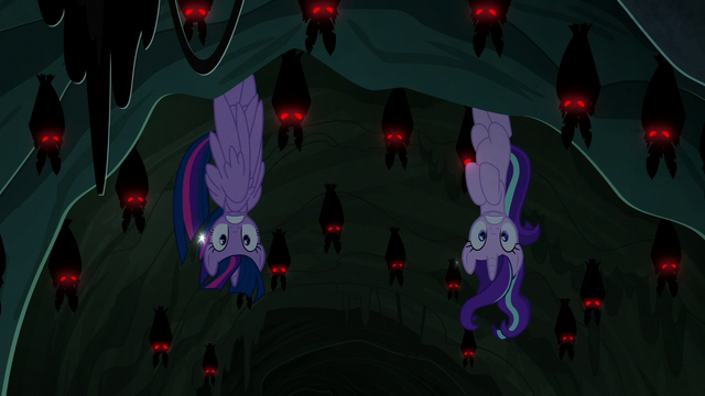 File:Twilight and Starlight disturb a swarm of bats S6E21.png