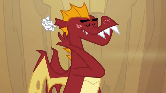 File:Garble throwing crumpled letter S2E21.png
