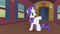 Rarity feels crowded and cramped S1E21