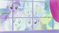 Ponies watching from outside the window S5E14