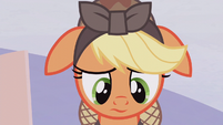 Applejack with drooping ears S5E25