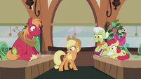 Applejack looking at her present S5E20