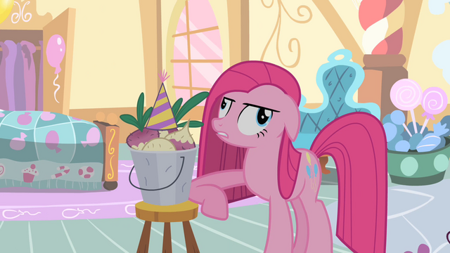 File:Pinkie Pie and Mr Turnip S01E25.png