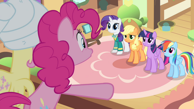 File:Pinkie Pie 'all eyes glued directly on you!' S4E14.png