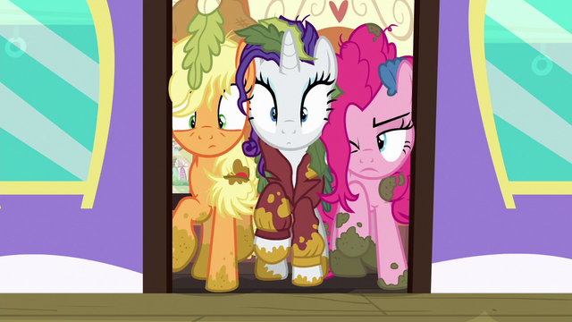 File:Applejack, Rarity, and Pinkie caught in the train door S6E22.png