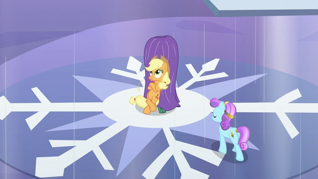 File:Applejack standing by fake heart S3E2.png