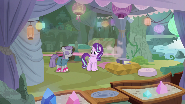 File:Pinkie Pie speeding out of Maud's cave S7E4.png