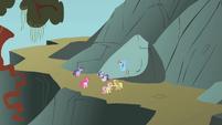 Ponies hear Fluttershy's echo S1E07