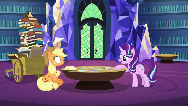 File:Starlight Glimmer points to a photo S6E21.png