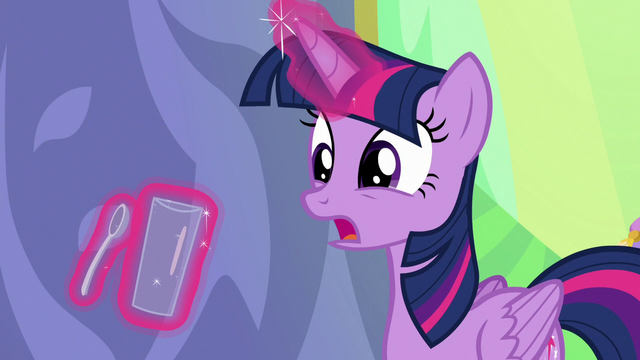 """File:Twilight """"if I could have everypony's attention"""" S7E1.png"""