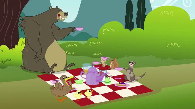 File:Fluttershy's critter friend's picnic S3E3.png