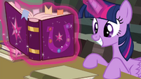 Twilight finds the answer S4E25