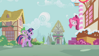 Pinkie Pie Head Out Door S1E09