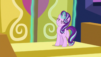 Starlight Glimmer trying to open the castle doors S6E25