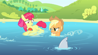 "Apple Bloom scared of ""shark fin"" S4E20"