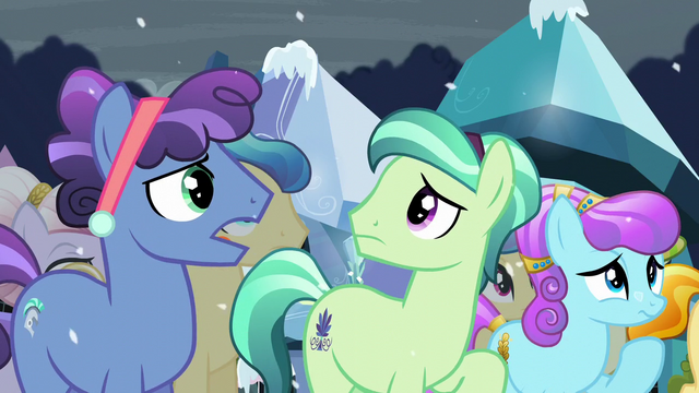 File:Crystal Ponies complaining S6E2.png