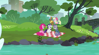 Pinkie, Rarity, and Maud in the park S6E3