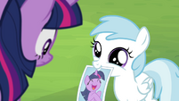 Cotton Cloudy wants Twilight's autograph S4E22