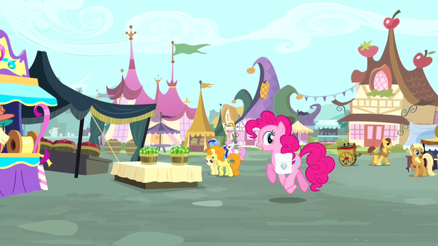 File:Pinkie Pie enters the marketplace S4E12.png
